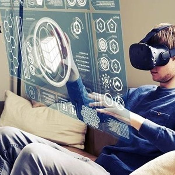 WHAT'S THE DIFFERENCE BETWEEN AR, VR, AND MR?